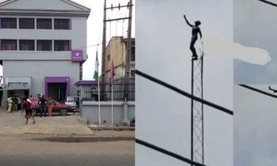 bank's mast