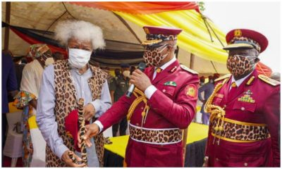Ogun decorates Soyinka as Amotekun Super Marshall, Soyinka becomes Amotekun Super Marshall
