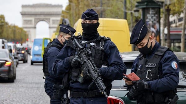French police arrest five suspected female terrorists