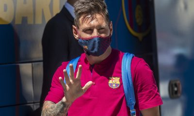 Messi signs new Barcelona contract