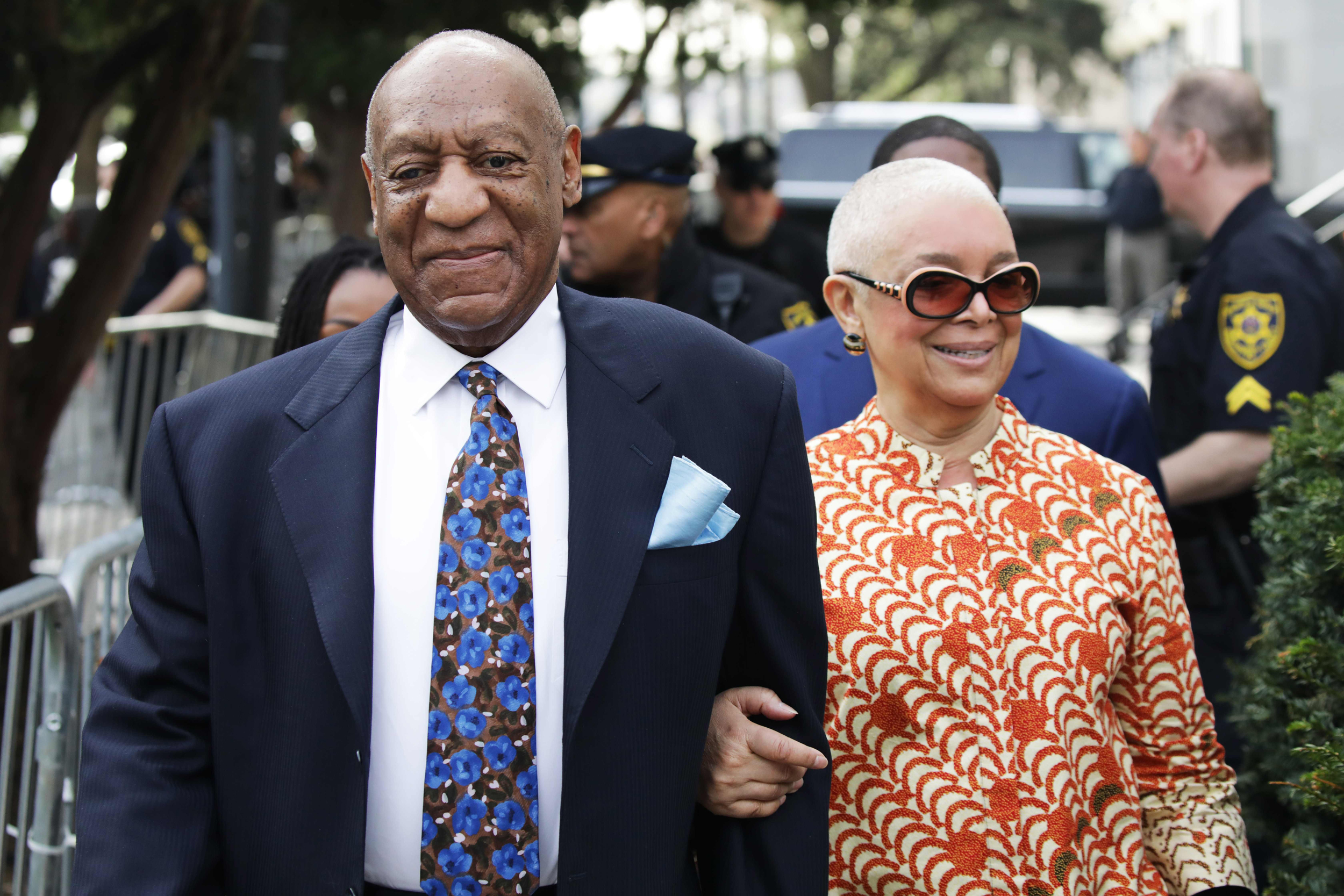 Bill Cosby denies 'divorce' rumour after wife was spotted without her wedding ring