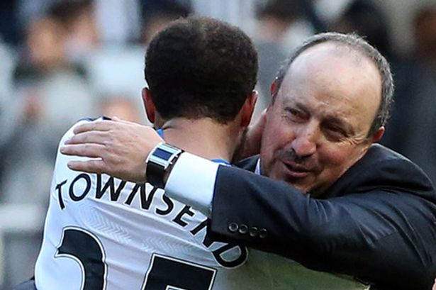 Everon sign Andros Townsend